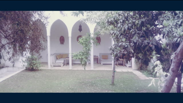 1968 Lebanon - Mansion and its luxurious garden
