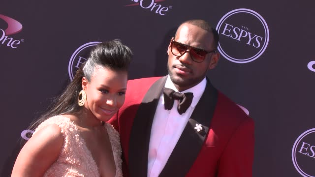 vídeos y material grabado en eventos de stock de lebron james at the 2013 espy awards on 7/17/2013 in los angeles ca - premios espy