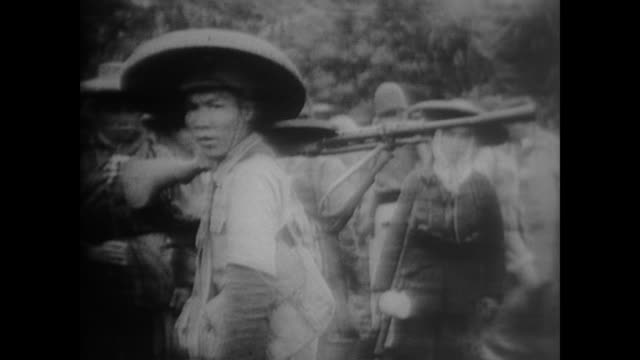 vídeos de stock e filmes b-roll de led by bo gu and otto braun, over 130,000 people embark on the long march. - mao tse tung