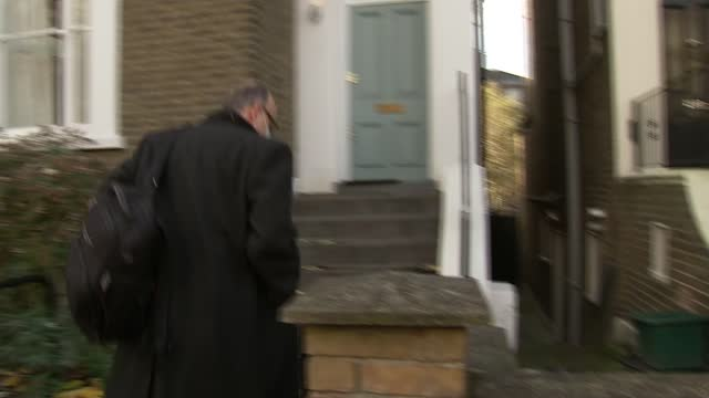 dominic cummings doorstep; england: london: ext dominic cummings from house and through press scrum - ignoring reporters' questions about resignation... - uk politics stock videos & royalty-free footage
