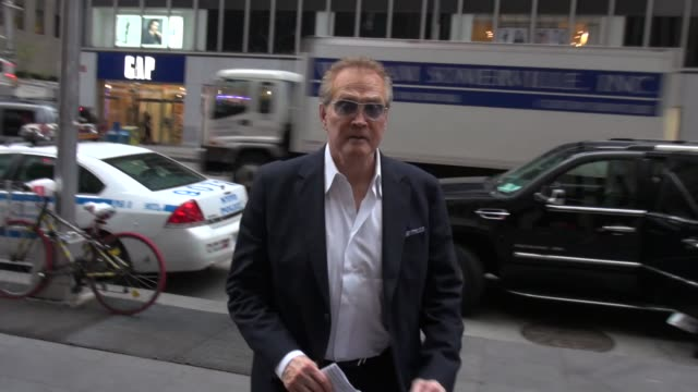 lee majors arrives at the 'fox and friends' studio in new york ny on 8/27/13 - lee majors stock videos and b-roll footage
