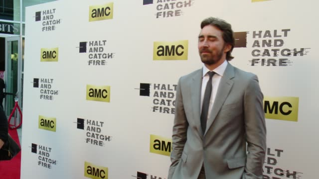 vídeos de stock, filmes e b-roll de lee pace at amc's halt and catch fire los angeles premiere at arclight cinemas on may 21 2014 in hollywood california - cinemas arclight hollywood