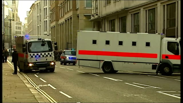 michael adebolajo gives evidence england london old bailey ext two prison vans arriving at court family members of lee rigby including lyn rigby sara... - lee rigby stock videos & royalty-free footage