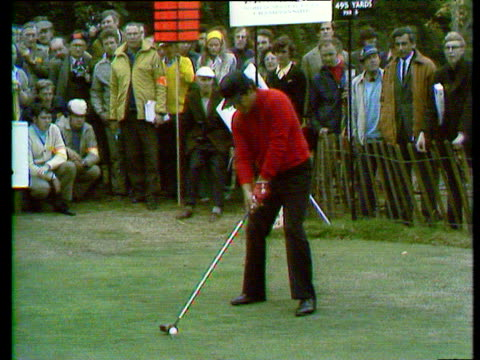 lee trevino drives from 18th tee world matchplay championship semi final wentworth 1972 - pga world golf championship stock-videos und b-roll-filmmaterial
