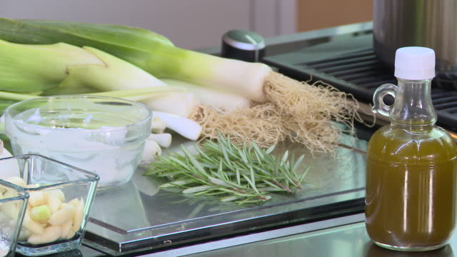 leeks with yoghurt and chicken - eastern european culture stock videos & royalty-free footage