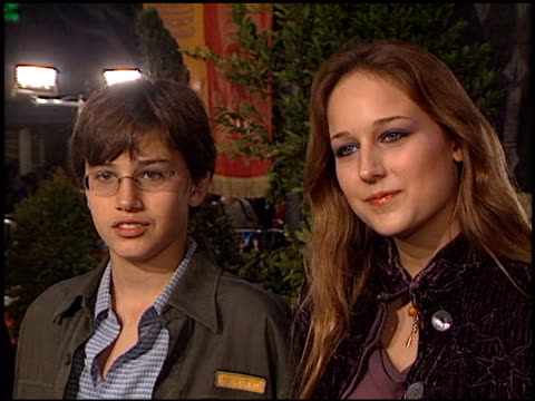 leelee sobieski at the 'harry potter and the chamber of secrets' premiere on november 14 2002 - potter stock videos & royalty-free footage