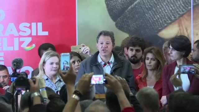 vídeos de stock, filmes e b-roll de leftist candidate with the workers party fernando haddad promises a deeply democratic country to his supporters if he were to win the presidential in... - prisoner