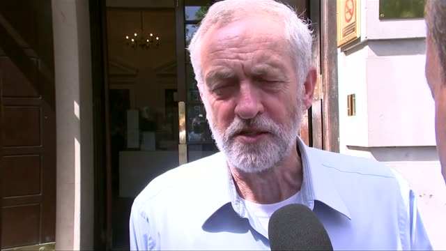 Leftwing Democrat candidate Bernie Sanders on campaign trail T22071545 / TX London Jeremy Corbyn interview SOT Why can't we instead focus on the...