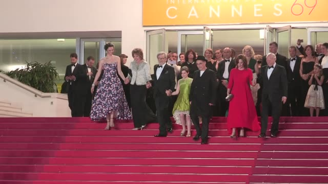 legendary director steven spielberg ruby barnhill jemaine clement mark rylance rebecca hall and more walk the red carpet after the premiere of the... - mark rylance stock-videos und b-roll-filmmaterial