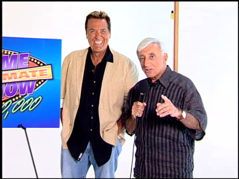 legendary game show gurus launch the '$250,000 ultimate game show', los angeles, ca: 8/31/07 in hollywood, california on september 4, 2007. - gioco televisivo video stock e b–roll