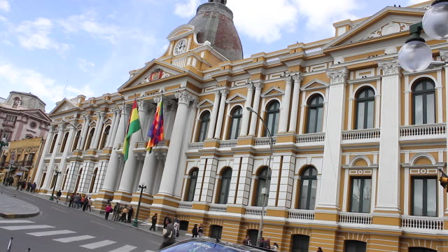 legislative palace on plaza murillo / la paz, bolivia - ボリビア点の映像素材/bロール