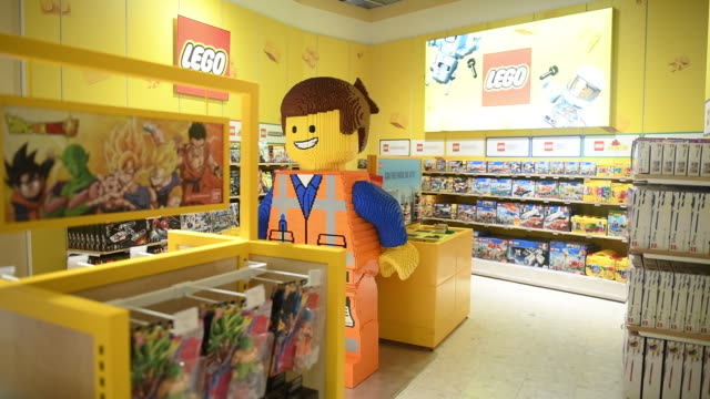 lego room in new toys 'r' us store ahead of its opening, paramus, new jersey, u.s., on tuesday, nov 26, 2019. - toys r us stock videos & royalty-free footage