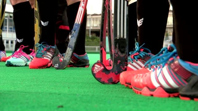 stockvideo's en b-roll-footage met legs of field hockey players - spelkandidaat