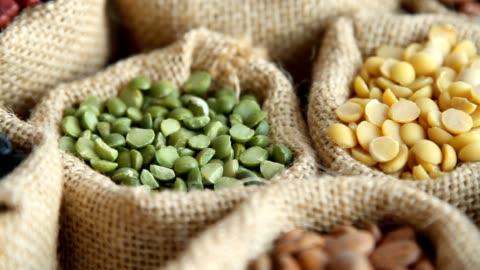 vídeos y material grabado en eventos de stock de legumbres en saco - bean