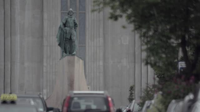 leifur eiríksson and hallgrímskirkja church - 1937 stock videos & royalty-free footage