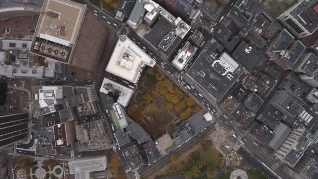 leisurely flight over boston cityscape. shot in 2011. - artbeats stock videos & royalty-free footage