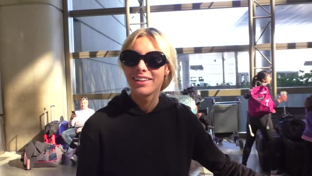lele pons catches her flight to dubai out of lax airport in los angeles in celebrity sightings in los angeles, - celebrity sightings stock-videos und b-roll-filmmaterial