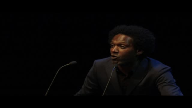 vídeos y material grabado en eventos de stock de lemn sissay reading his poem sarcasm live at world book night 2013 in london's trafalgar square lemn sissay is an author broadcaster and playwright a... - 2013