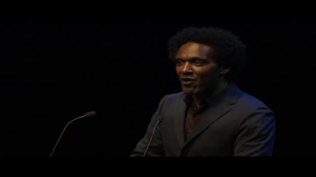 stockvideo's en b-roll-footage met lemn sissay reading let there be peace live at world book night 2013 in london's trafalgar square lemn sissay is an author broadcaster and playwright... - 2013
