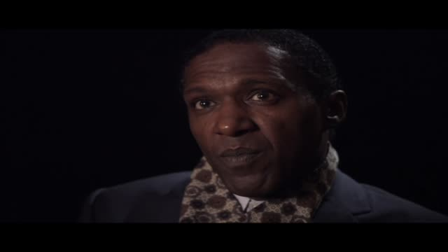 lemn sissay—author, broadcaster and playwright—is interviewed at world book night 2012. in this clip he discusses whether, as a poet, he feels an... - 脚本家点の映像素材/bロール