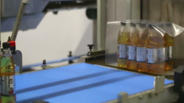 レモン 1 の収縮パッケージ - 梱包機点の映像素材/bロール
