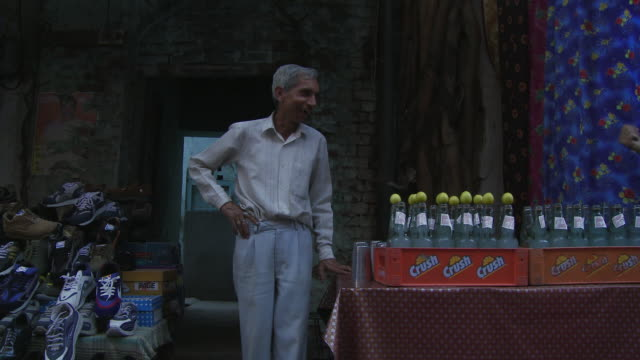 lemon drink vendor