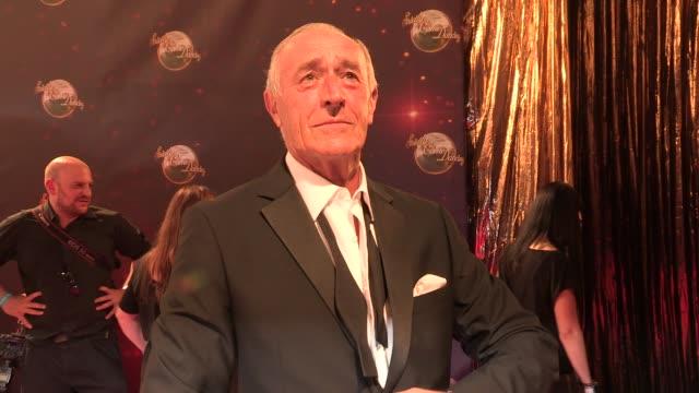 len goodman at strictly come dancing at elstree studios on september 03, 2013 in borehamwood, england - ボーハムウッド点の映像素材/bロール