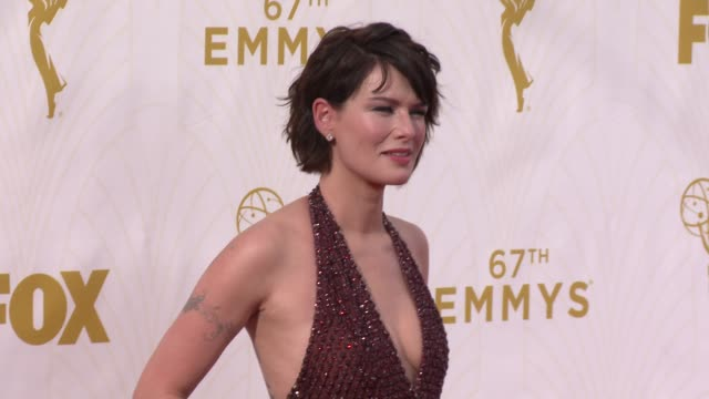 vidéos et rushes de lena headey at the 67th annual primetime emmy awards at microsoft theater on september 20, 2015 in los angeles, california. - annual primetime emmy awards