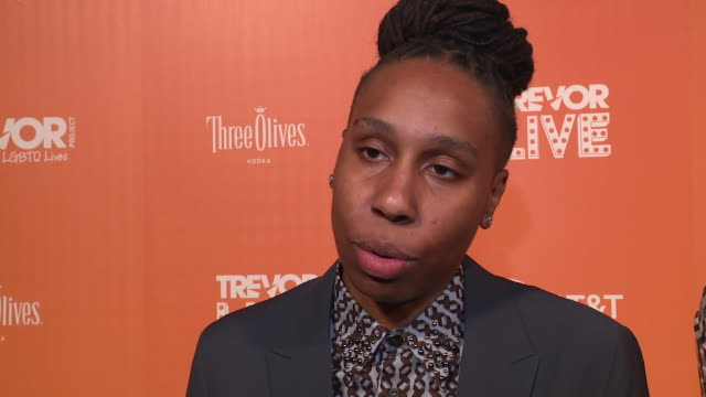 vidéos et rushes de interview lena waithe talks about suicide prevention and the need to lean on each other at the trevor project trevorlive ny 2018 at cipriani wall... - suicide