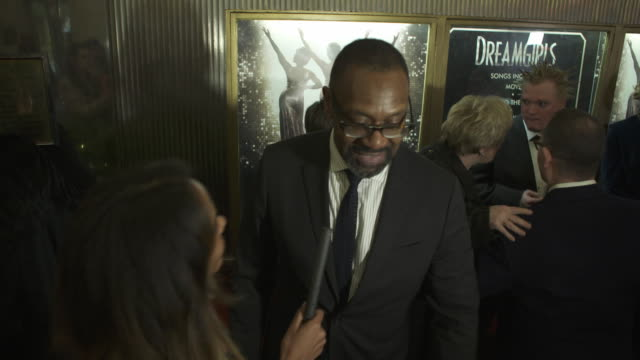 vídeos de stock e filmes b-roll de lenny henry at dreamgirls - press night at the savoy theatre on december 14, 2016 in london, england. - lenny henry