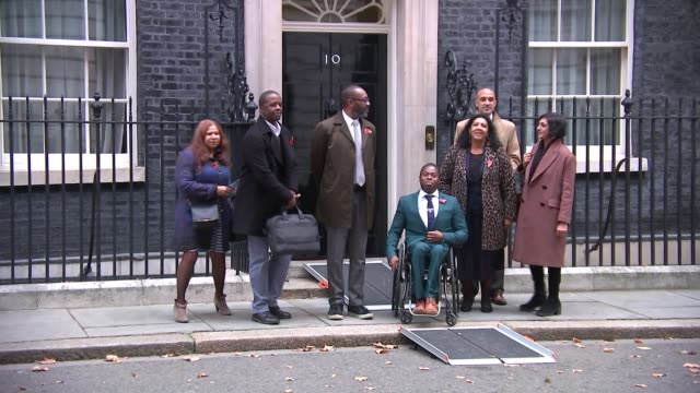 vídeos de stock e filmes b-roll de lenny henry leads calls for greater diversity in television and film industries; england: london: westminster: downing street: ext group of... - lenny henry
