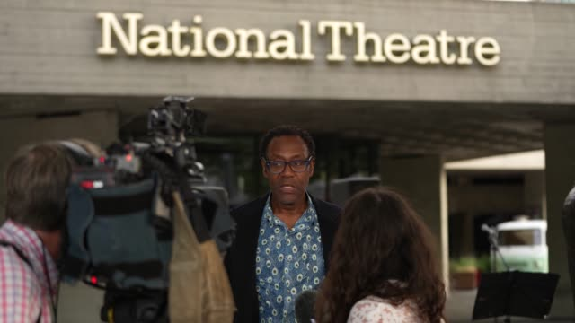 vídeos de stock e filmes b-roll de lenny henry showing his support for the arts campaigning for more funds for the arts at the national theatre on september 1, 2020 in london, england. - lenny henry