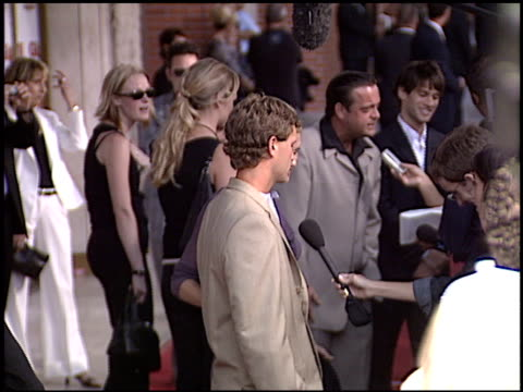 lenny venito at the 'gigli' premiere on july 27, 2003. - première stock-videos und b-roll-filmmaterial