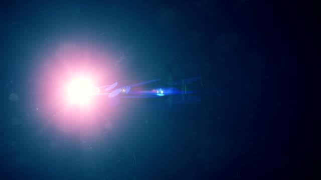 lens flare, bokeh, leuchtet. - suchscheinwerfer stock-videos und b-roll-filmmaterial