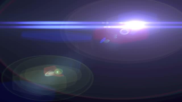 lens flare, optical flare, lichter, übergänge, filmburns, lichtleck, filmblitze, burn out - suchscheinwerfer stock-videos und b-roll-filmmaterial