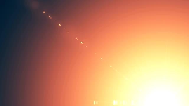 vídeos de stock, filmes e b-roll de alargamento da lente, flare óptico, luzes, transições, queimaduras de filme, vazamento de luz, flashes de filme, queimar - número