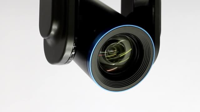 cctv lens. - telecamera di sorveglianza video stock e b–roll