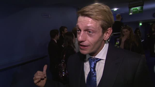 vidéos et rushes de leo gregory on the film being for all type of audiences at wild bill uk premiere at the cineworld haymarket on march 20, 2012 in london, england - haymarket