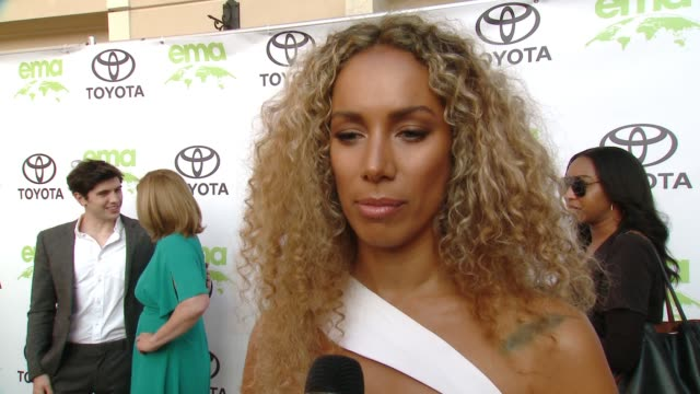 vidéos et rushes de leona lewis on how did you get involved with ema and on what steps do you take to live a green life at the 28th annual environmental media awards in... - environmental media awards