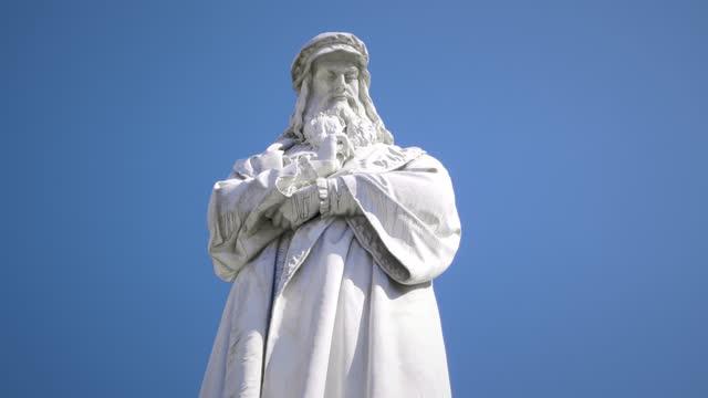 leonard da vinci - statue stock videos & royalty-free footage