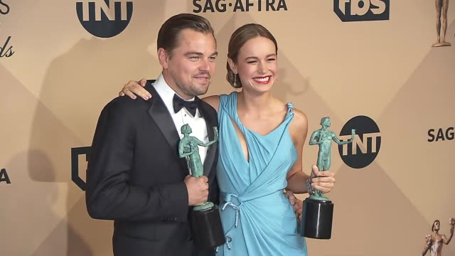 leonardo dicaprio and brie larson at the 22nd annual screen actors guild awards press room at the shrine auditorium on january 30 2016 in los angeles... - screen actors guild awards stock videos & royalty-free footage
