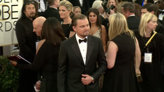 vidéos et rushes de leonardo dicaprio at 71st annual golden globe awards - arrivals at the beverly hilton hotel on in beverly hills, california. - golden globe awards
