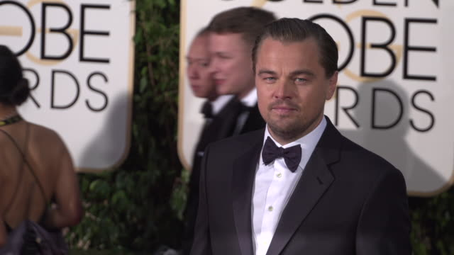 leonardo dicaprio at the 73rd annual golden globe awards - arrivals at the beverly hilton hotel on january 10, 2016 in beverly hills, california. 4k... - leonardo dicaprio stock videos & royalty-free footage