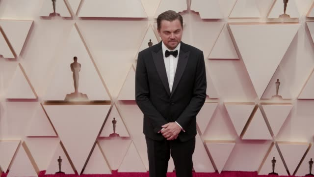 leonardo dicaprio at the 92nd annual academy awards at dolby theatre on february 09, 2020 in hollywood, california. - academy awards stock-videos und b-roll-filmmaterial