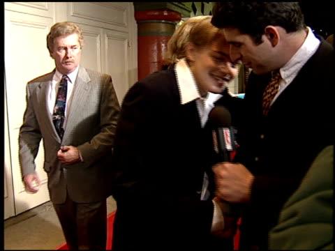 stockvideo's en b-roll-footage met leonardo dicaprio at the 'basketball diaries' premiere on april 19 1995 - 1995