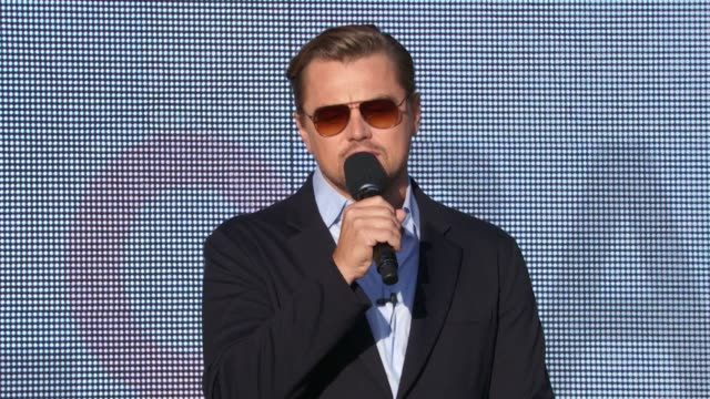 leonardo dicaprio discusses the importance of the event's goals at 2015 global citizen concert at central park on september 26, 2015 in new york city. - leonardo dicaprio stock videos & royalty-free footage