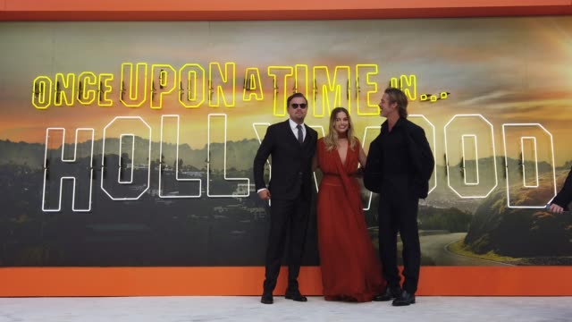 leonardo dicaprio, margot robbie and brad pitt attend 'once upon a time in hollywood' uk premiere at the odeon luxe leicester square on july 30, 2019... - 俳優 ブラッド・ピット点の映像素材/bロール