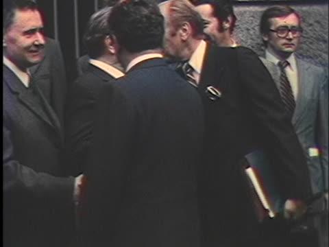 leonid brezhnev and andrei gromyko greet president gerald ford and henry kissinger. - leonid brezhnev bildbanksvideor och videomaterial från bakom kulisserna