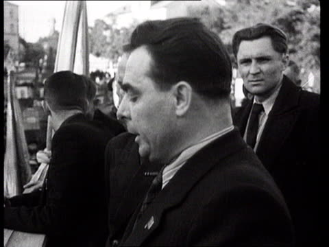 leonid brezhnev speaking to crowd during outdoor meeting/ crowd listening to speech/ factory interior/ russia/ audio - poster stock-videos und b-roll-filmmaterial