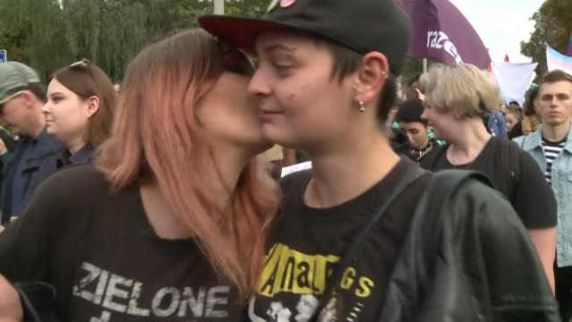 vídeos y material grabado en eventos de stock de lesbian gay bisexual and transgender rights have become a hot button issue in poland ahead of the october 13 general election in the heavily catholic... - montaje documental
